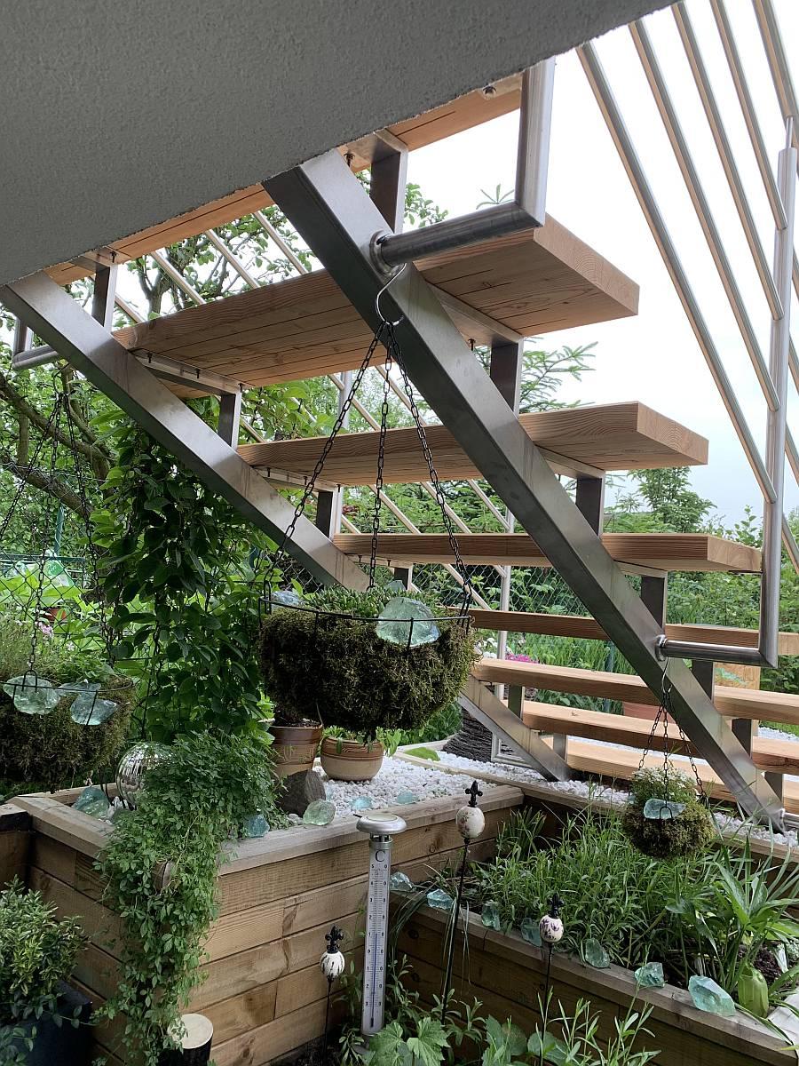 Nerezové schodiště a zábradlí na rodinném domě ve Frýdku Místku